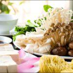 Hướng dẫn nấu món chay nấm chiên do cô Nguyễn Dzoãn Cẩm Vân.