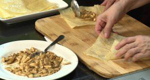 Món chay 110 – Tàu hũ ky cuộn nấm sốt thơm
